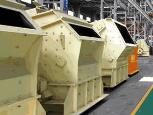 Crushing machine for ceramic raw materials